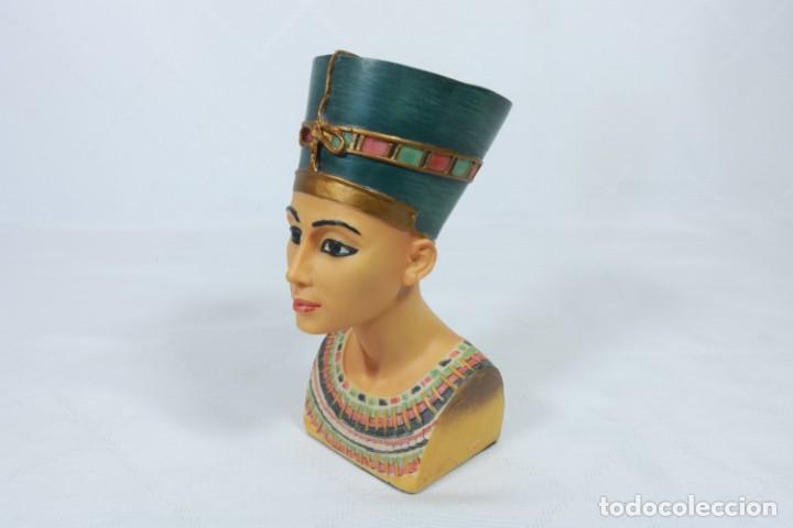 Arte: Precioso busto de Nefertiti tallado en resina - firmada Veronese - 2001 - Foto 8 - 233172505