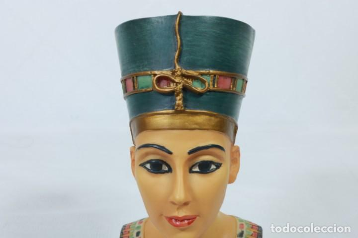 Arte: Precioso busto de Nefertiti tallado en resina - firmada Veronese - 2001 - Foto 10 - 233172505
