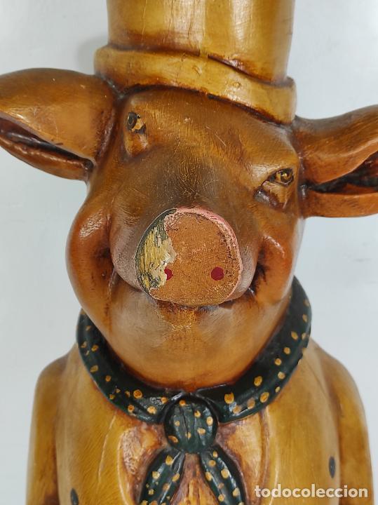 Arte: Divertido Cerdo de Antigua Carnicería - Madera Tallada y Policromada - Altura 85 cm - Foto 7 - 234458875