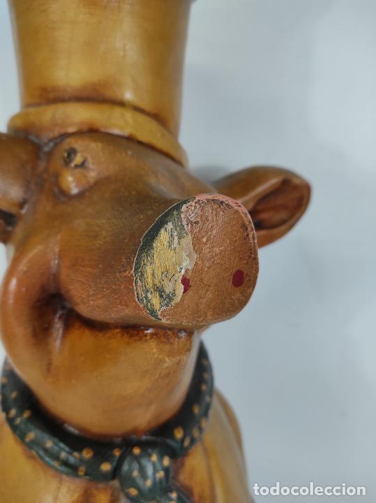 Arte: Divertido Cerdo de Antigua Carnicería - Madera Tallada y Policromada - Altura 85 cm - Foto 9 - 234458875