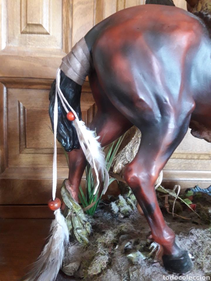 Arte: Magnífica escultura de resina de indios americanos - Foto 6 - 234484750
