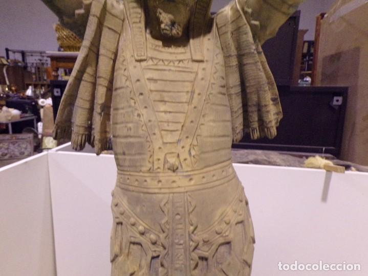 Arte: antigua escultura soldado parece egipcio de terracota de 92 cm altura ¿vallmitjana? - Foto 5 - 234703250
