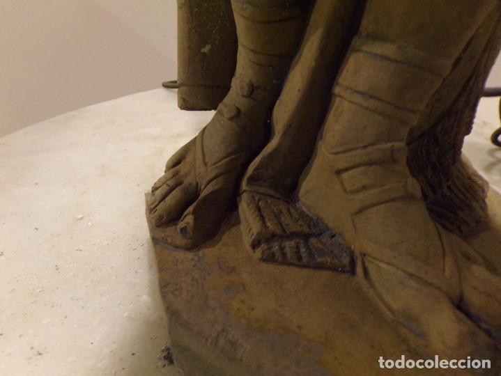 Arte: antigua escultura soldado parece egipcio de terracota de 92 cm altura ¿vallmitjana? - Foto 9 - 234703250