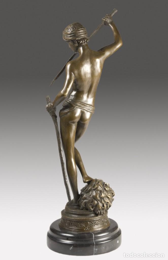 Arte: Copia del David de Antonin Mercié. Altura: 34 cm. Peso: 2 kg. - Foto 4 - 235479285