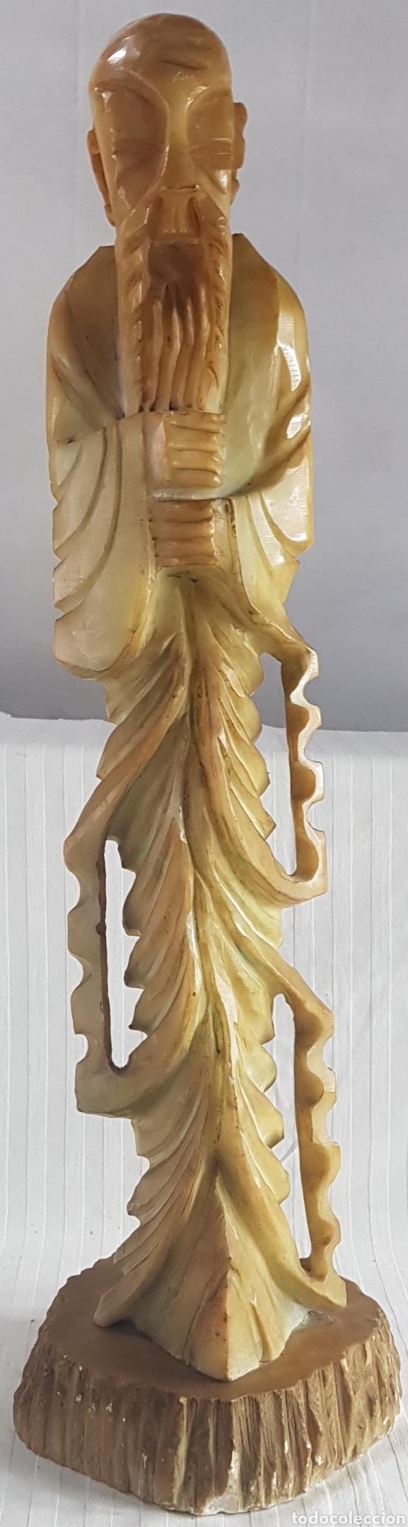 MONJE BUDISTA ESCULPIDO EN ALABASTRO PRINC. S.XX (Arte - Escultura - Alabastro)