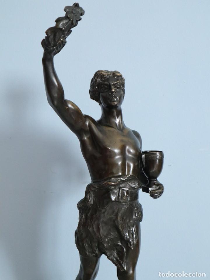 Arte: Corredor Victorioso. Charles Lemoyne (Francia 1783- 1873). Figura de bronce patinado. Mide 59 cm. - Foto 3 - 236047400