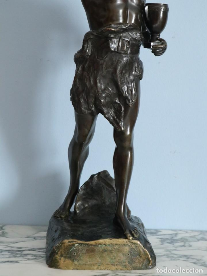 Arte: Corredor Victorioso. Charles Lemoyne (Francia 1783- 1873). Figura de bronce patinado. Mide 59 cm. - Foto 4 - 236047400