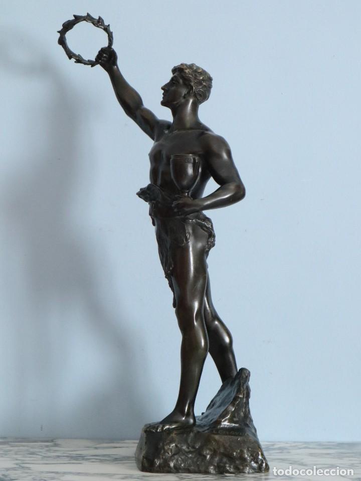 Arte: Corredor Victorioso. Charles Lemoyne (Francia 1783- 1873). Figura de bronce patinado. Mide 59 cm. - Foto 17 - 236047400
