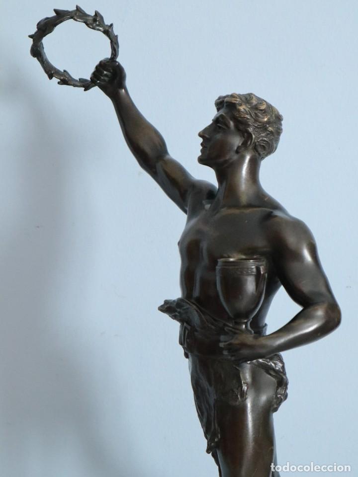 Arte: Corredor Victorioso. Charles Lemoyne (Francia 1783- 1873). Figura de bronce patinado. Mide 59 cm. - Foto 18 - 236047400