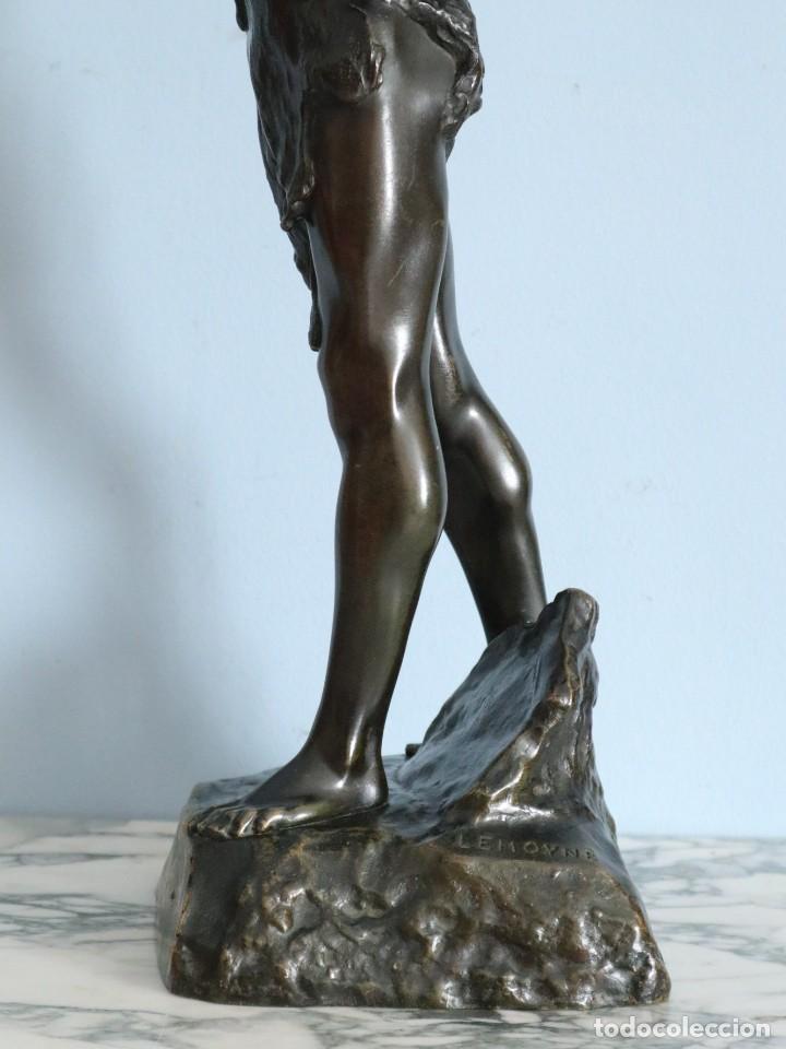 Arte: Corredor Victorioso. Charles Lemoyne (Francia 1783- 1873). Figura de bronce patinado. Mide 59 cm. - Foto 19 - 236047400