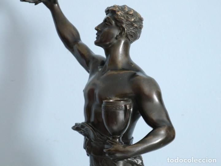 Arte: Corredor Victorioso. Charles Lemoyne (Francia 1783- 1873). Figura de bronce patinado. Mide 59 cm. - Foto 21 - 236047400