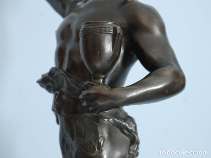 Arte: Corredor Victorioso. Charles Lemoyne (Francia 1783- 1873). Figura de bronce patinado. Mide 59 cm. - Foto 22 - 236047400