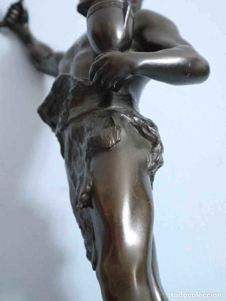 Arte: Corredor Victorioso. Charles Lemoyne (Francia 1783- 1873). Figura de bronce patinado. Mide 59 cm. - Foto 25 - 236047400
