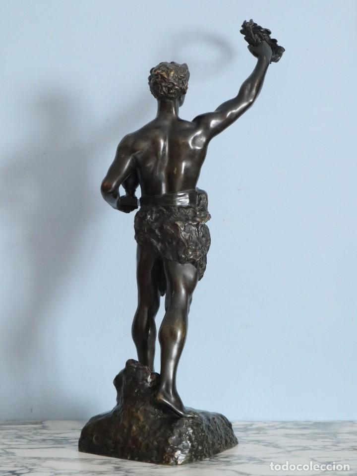 Arte: Corredor Victorioso. Charles Lemoyne (Francia 1783- 1873). Figura de bronce patinado. Mide 59 cm. - Foto 27 - 236047400