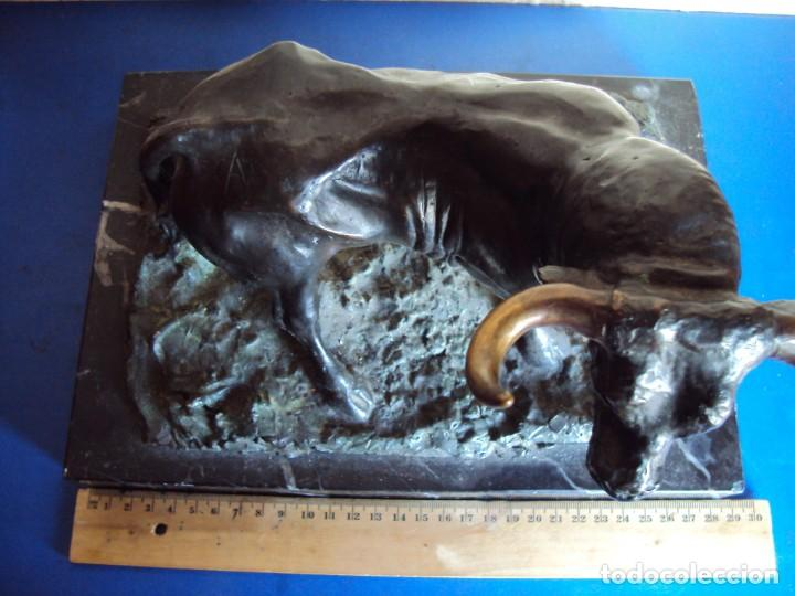 Arte: (ANT-210125)MAGNIFICA ESCULTURA FIGURA TORO DE BRONCE SOBRE PEANA DE MARMOL-FIRMADO - Foto 22 - 236312125