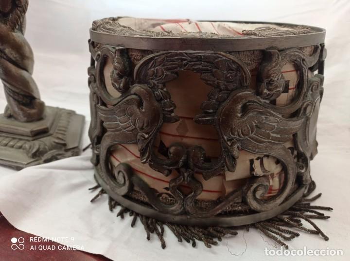 Arte: LAMPARA SOBREMESA EN BRONCE CON PANTALLA DE BRONCE Y PERGAMINO. AÑOS 20. - Foto 12 - 236884425
