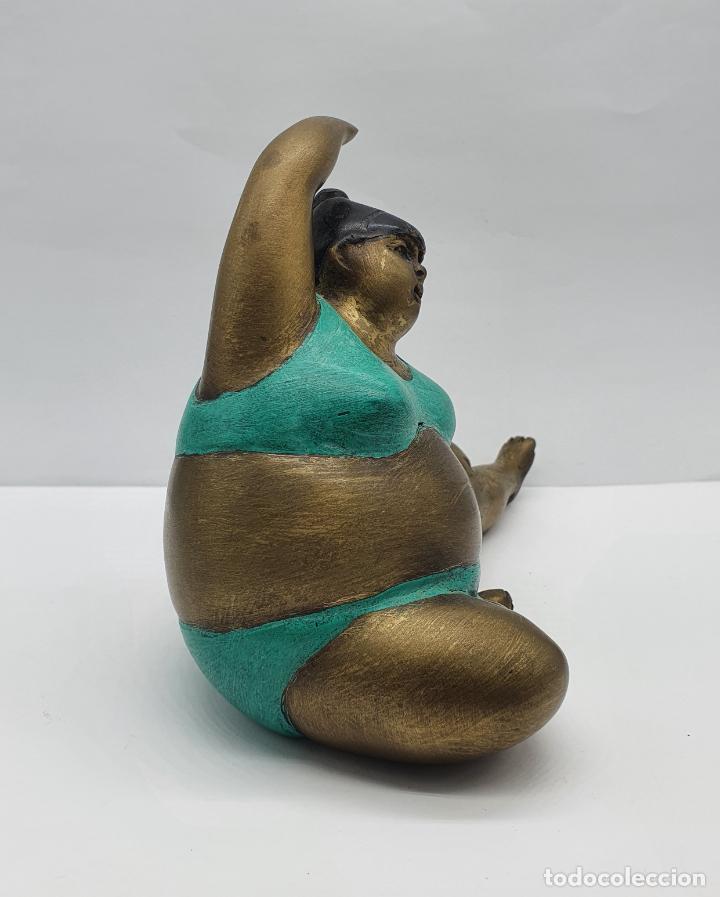 Arte: Bella escultura antigua de dama en traje de baño estilo botero en bronce parcialmente esmaltada . - Foto 4 - 236953660