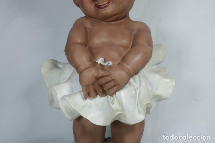 Arte: Adorable Pareja de niños de resina - Niña sonriendo y niño llorando - Piezas únicas y antiguas - Foto 4 - 238281615