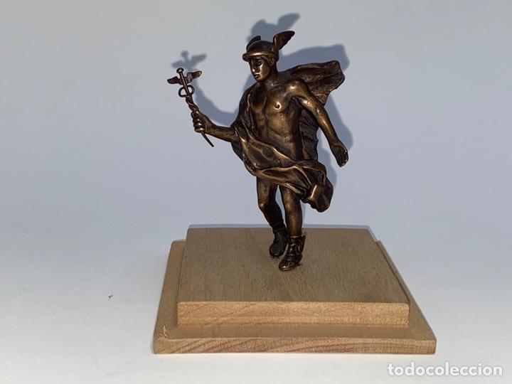 *FIGURA DE BRONCE DEL DIOS GRIEGO HERMES. S.XX. (Arte - Escultura - Bronce)