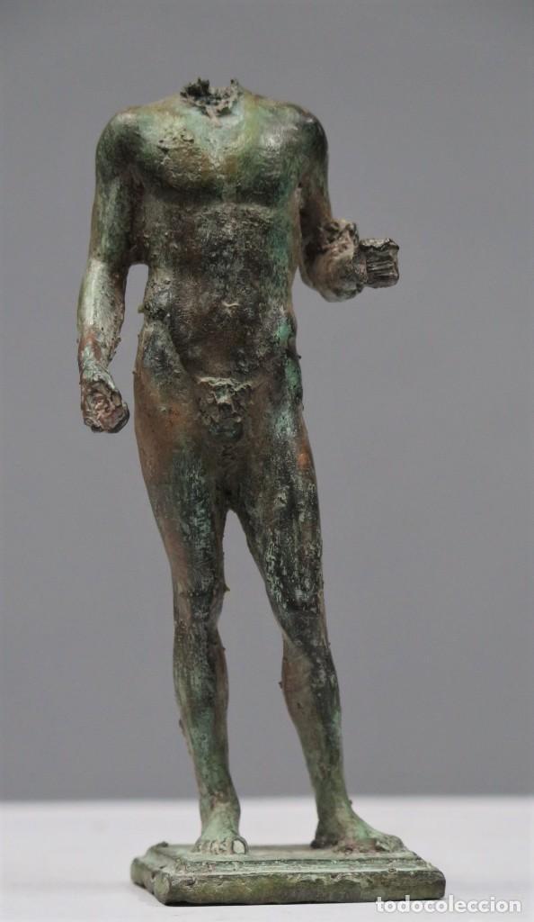 PRECIOSA FIGURA. CUERPO MASCULINO. BRONCE PATINADO (Arte - Escultura - Bronce)