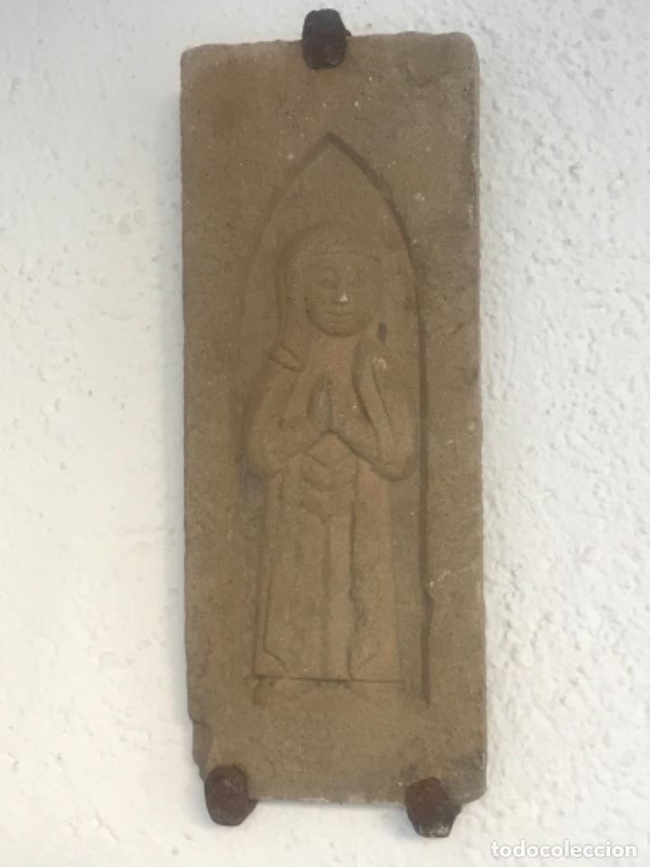 VIRGEN MARÍA TALLADA EN PIEDRA. PRINCIPIOS DEL S.XIX. (Arte - Escultura - Piedra)