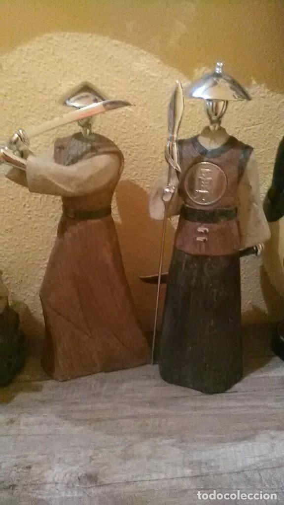 SAMURÁIS, PAREJA (Arte - Escultura - Resina)