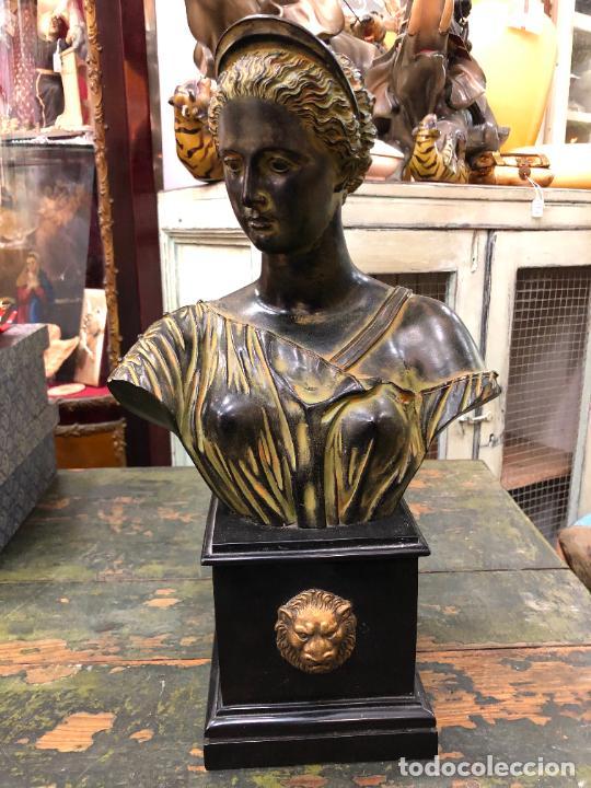 PRECIOSO BUSTO D EMUJER DIOSA - MEDIDA TOTAL 35 CM (Arte - Escultura - Resina)