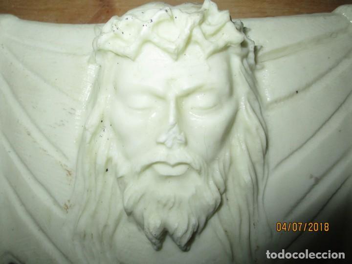 Arte: ESCULTURA DE MARMOL CRISTO SANTA FAZ EN PEANA DE MADERA - Foto 10 - 189980103
