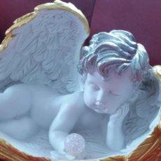 Arte: ARMOSO Y MUY ELEGANTE ANGELITO PARA DECORACION Y COLECION HECHO EN RESINA. Lote 244518885