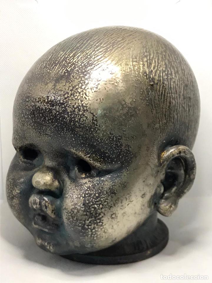 Arte: Busto de metal cabeza de bebe - Foto 2 - 246009765