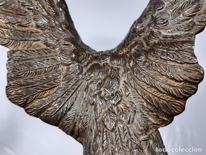 Arte: Águila. Bronce y piedra. Siglo XX. - Foto 17 - 246455495