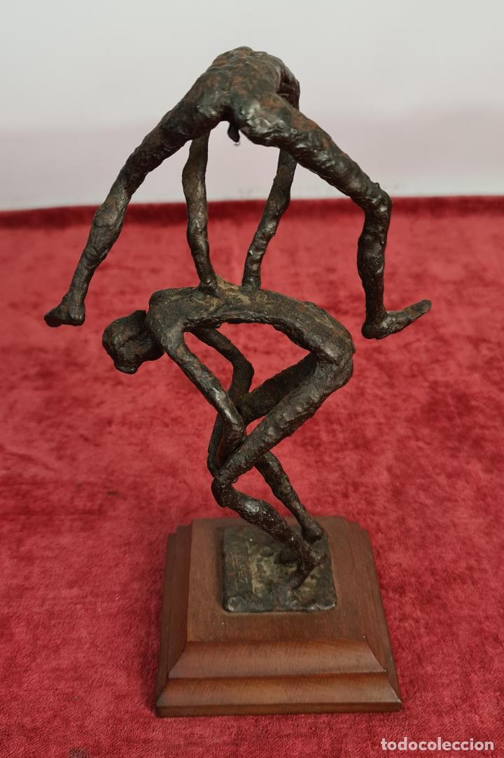 SALTO AL POTRO. ESCULTURA DE HIERRO FORJADO. MANUEL LOPEZ PEREZ. SIGLO XX. (Arte - Escultura - Hierro)