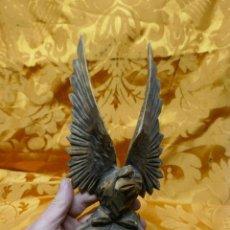 Arte: ANTIGUA TALLA DE MADERA AGUILA IMPERIAL - 30 CM.. Lote 254467705