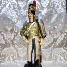 Arte: FIGURA PORCELANA OFICIAL HUSAR ESPAÑOL 1807. Lote 254812765