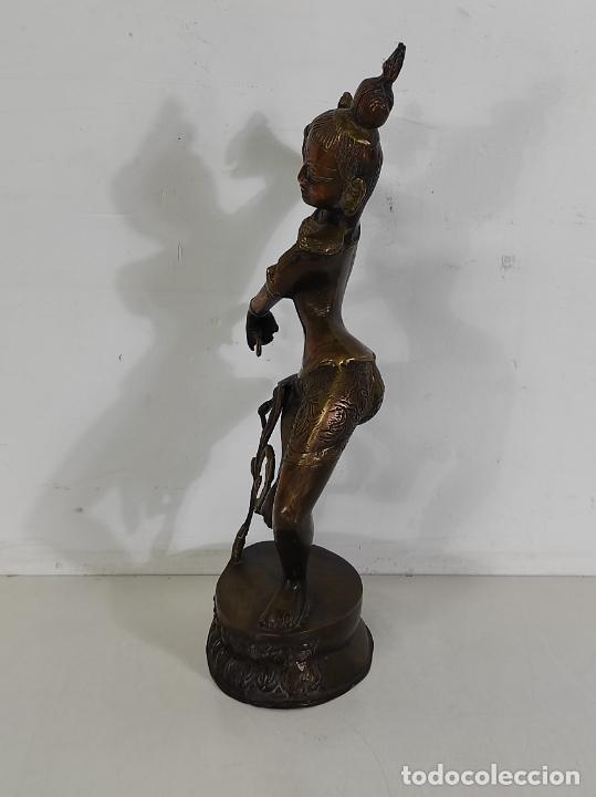Arte: Devi (Shakti) Danzando - Escultura en Bronce Cincelado - Altura 40 cm - Peso 2,5 Kg - Foto 9 - 254858920
