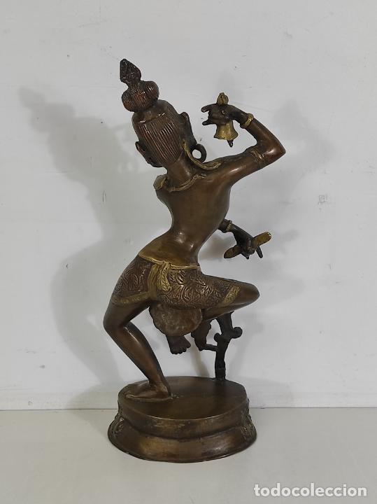 Arte: Devi (Shakti) Danzando - Escultura en Bronce Cincelado - Altura 40 cm - Peso 2,5 Kg - Foto 10 - 254858920