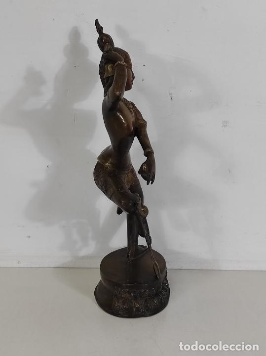 Arte: Devi (Shakti) Danzando - Escultura en Bronce Cincelado - Altura 40 cm - Peso 2,5 Kg - Foto 12 - 254858920