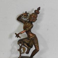 Arte: DEVI (SHAKTI) DANZANDO - ESCULTURA EN BRONCE CINCELADO - ALTURA 40 CM - PESO 2,5 KG. Lote 254858920