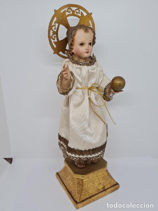Arte: PRECIOSO NIÑO JESUS DE TALLA DE VESTIR CON SU PEANA DORADA,S. XIX - Foto 2 - 257735530
