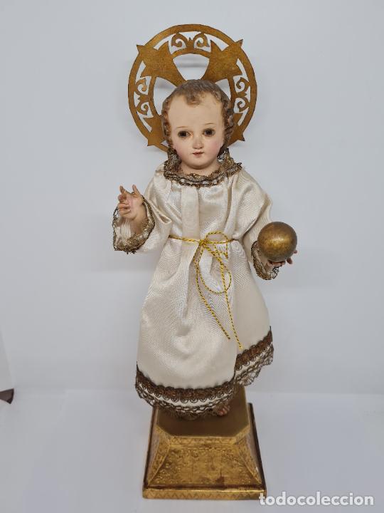 Arte: PRECIOSO NIÑO JESUS DE TALLA DE VESTIR CON SU PEANA DORADA,S. XIX - Foto 3 - 257735530