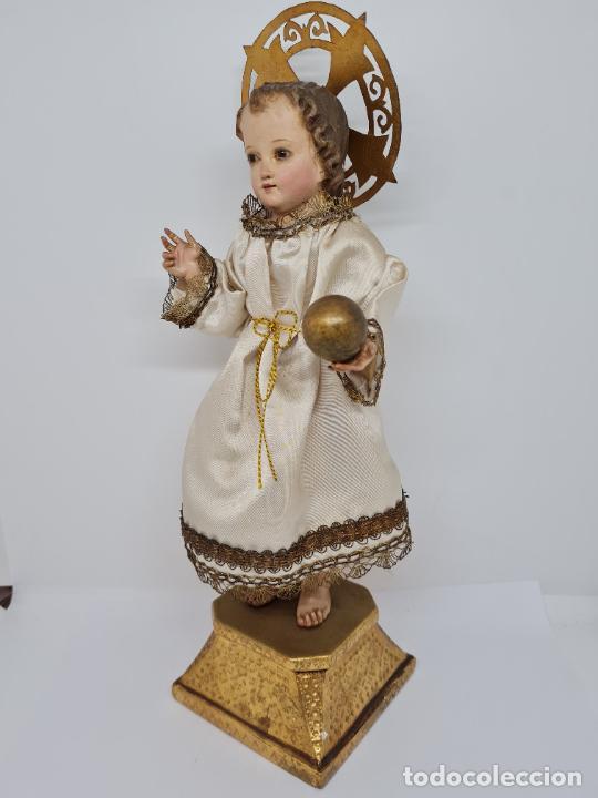 Arte: PRECIOSO NIÑO JESUS DE TALLA DE VESTIR CON SU PEANA DORADA,S. XIX - Foto 4 - 257735530