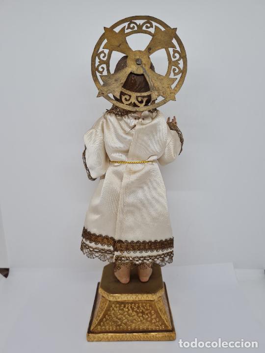 Arte: PRECIOSO NIÑO JESUS DE TALLA DE VESTIR CON SU PEANA DORADA,S. XIX - Foto 5 - 257735530