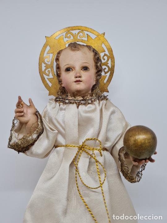Arte: PRECIOSO NIÑO JESUS DE TALLA DE VESTIR CON SU PEANA DORADA,S. XIX - Foto 7 - 257735530