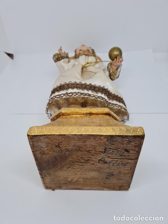 Arte: PRECIOSO NIÑO JESUS DE TALLA DE VESTIR CON SU PEANA DORADA,S. XIX - Foto 10 - 257735530