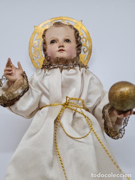 Arte: PRECIOSO NIÑO JESUS DE TALLA DE VESTIR CON SU PEANA DORADA,S. XIX - Foto 13 - 257735530