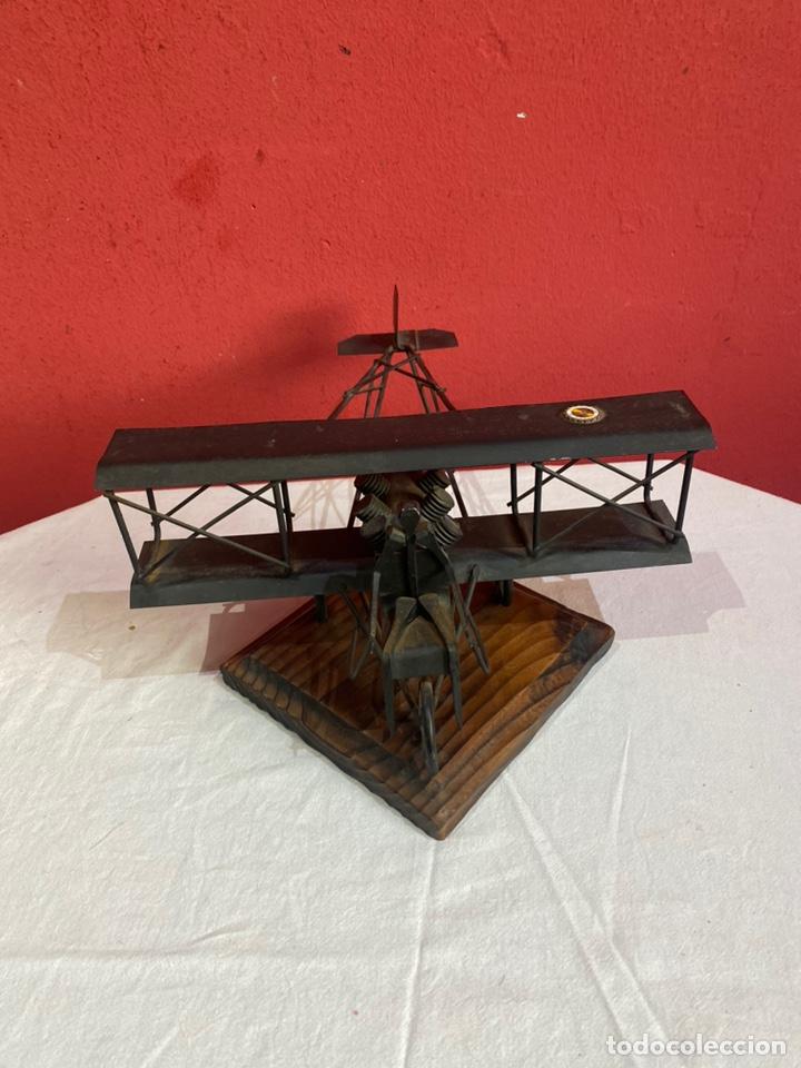 Arte: Antigua escultura avión hierro. Ver fotos - Foto 2 - 257882850