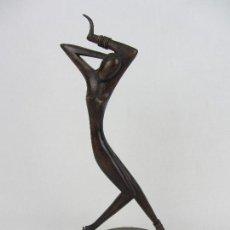 Arte: FIGURA ART DECÓ EN MADERA Y METAL - 1920-1930. Lote 260099120