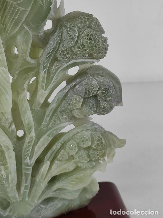 Arte: Bonita Escultura - Talla en Jade - Peana de Madera - Altura - 36 cm - Foto 3 - 261563155