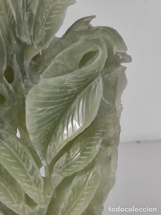 Arte: Bonita Escultura - Talla en Jade - Peana de Madera - Altura - 36 cm - Foto 17 - 261563155