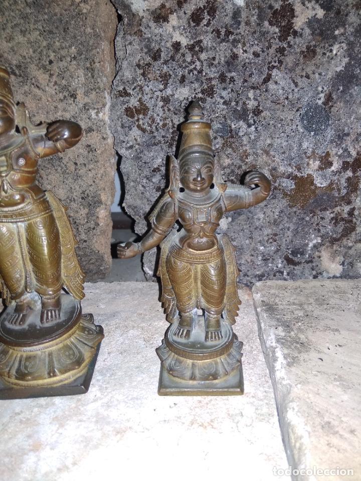Arte: Antiguas figuras de bronce asiáticas, muy bonitas. Vitrina central. - Foto 4 - 262371885
